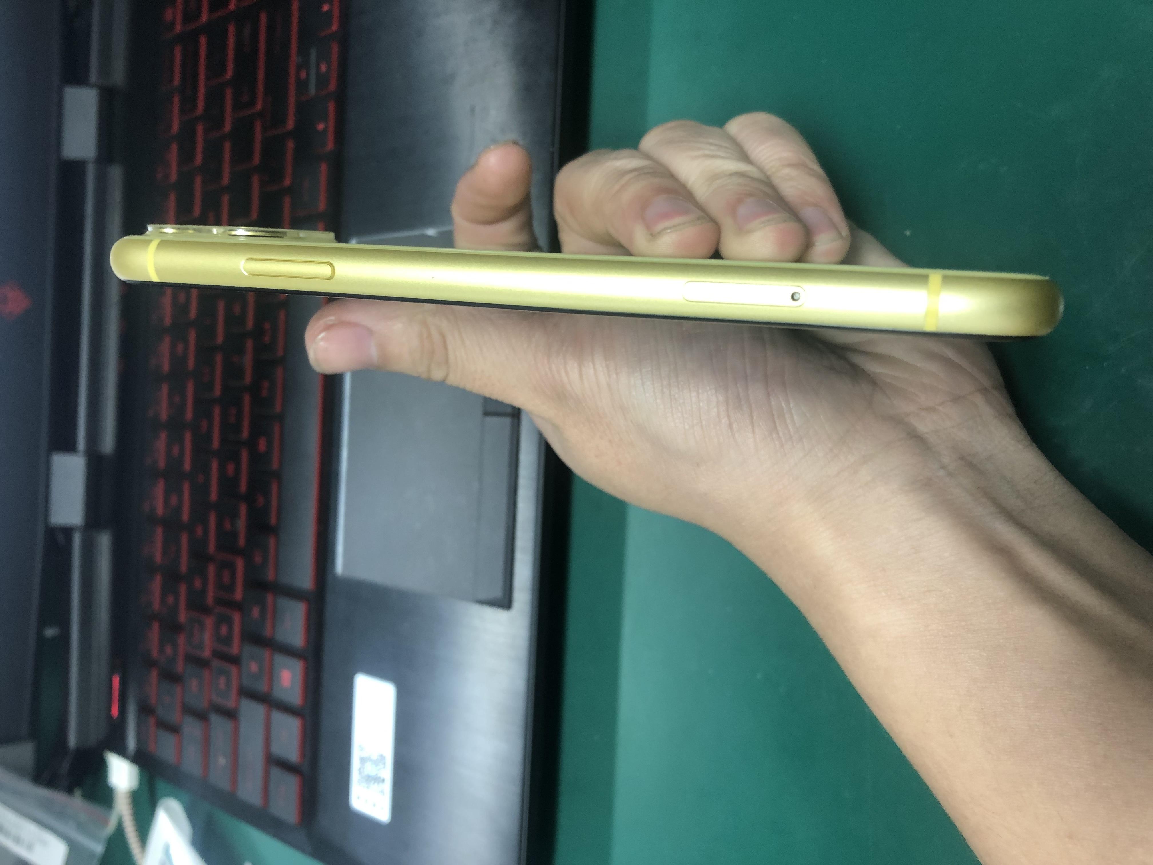 苹果【iPhone 11】4G全网通 黄色 64G 国行 95新