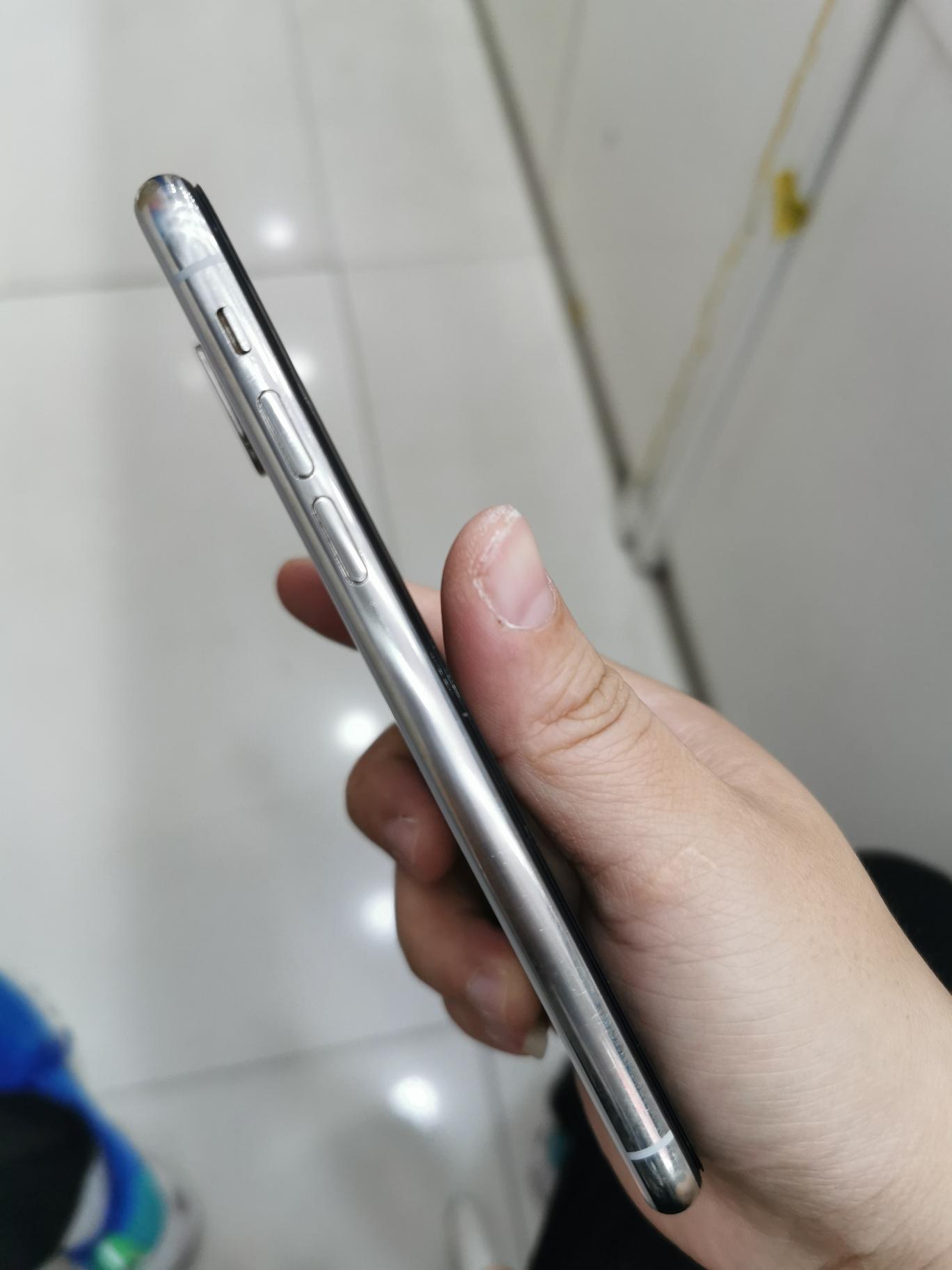 苹果【iPhone X】8成新